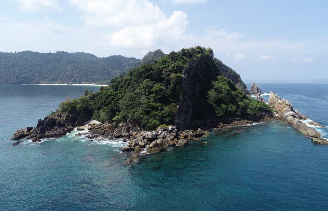 """""""แหลมทับทิม"""" จุดดำน้ำน้องใหม่ เกาะนาวโอพี ทะเลพม่า"""