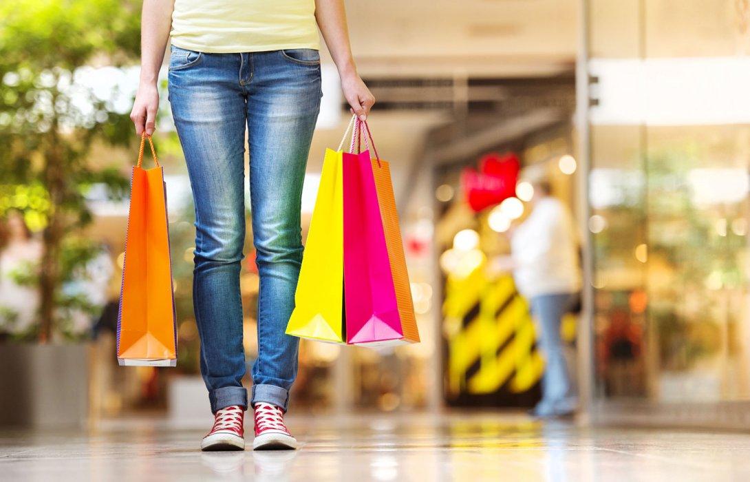 ผู้บริโภคไทยยังนิยมช้อปสินค้าแบรนด์เนมในสโตร์มากกว่าช้อปออนไลน์