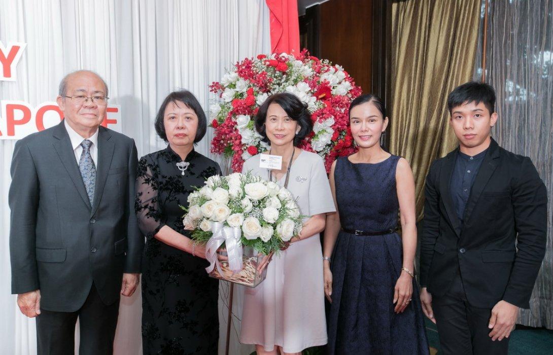 เอส เอฟ ร่วมแสดงความยินดีใน วันชาติสิงคโปร์