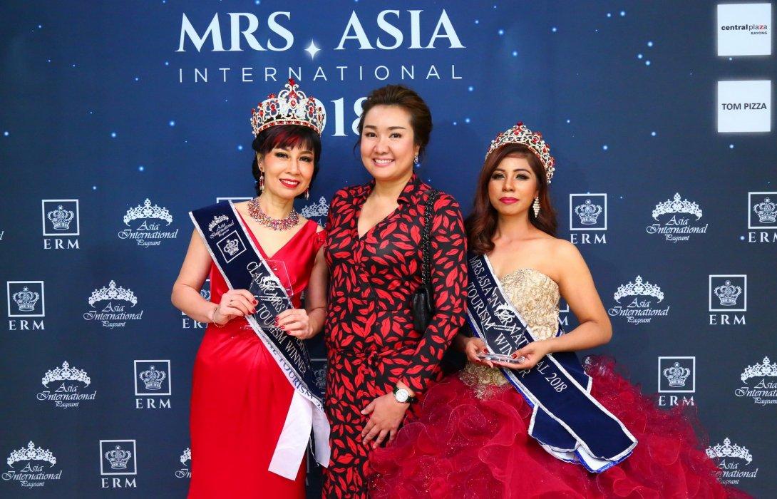 """""""สิงคโปร์"""" มงฯลง คว้า Mrs. Asia International Pageant 2018"""