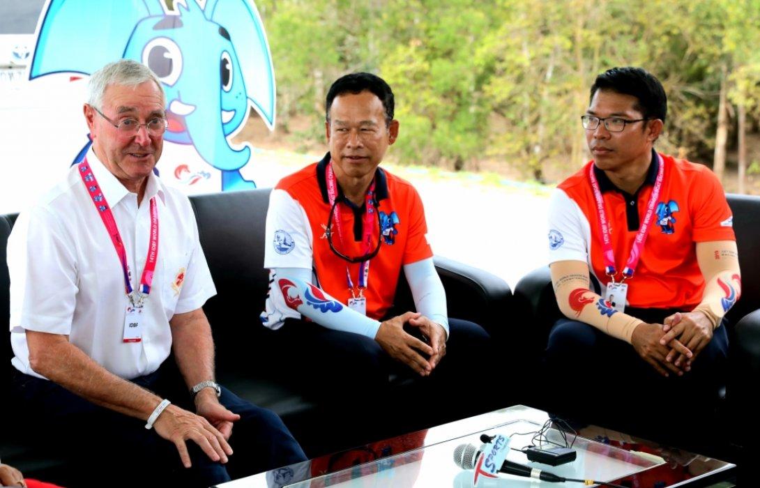 """ฝีพายไทยพร้อมลงสนามสู้ศึก""""เรือยาวมังกรชิงแชมป์โลกครั้งที่14"""""""