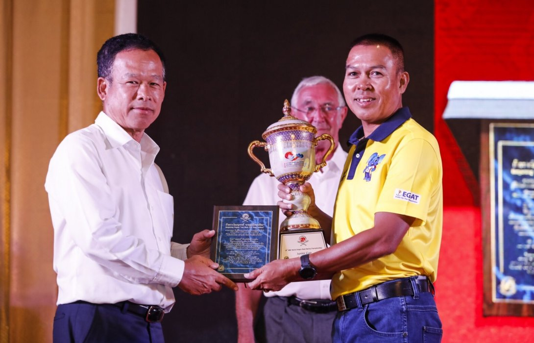 """ทัพเรือไทยผงาดคว้า 2 ถ้วยรางวัลยอดเยี่ยม""""เรือยาวมังกรชิงแชมป์โลกครั้งที่ 14"""""""