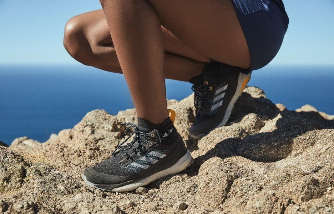 จากมหาสมุทรสู่ขุนเขา! อาดิดาส เปิดตัวรองเท้าสายเทรลจากพลาสติกรีไซเคิล