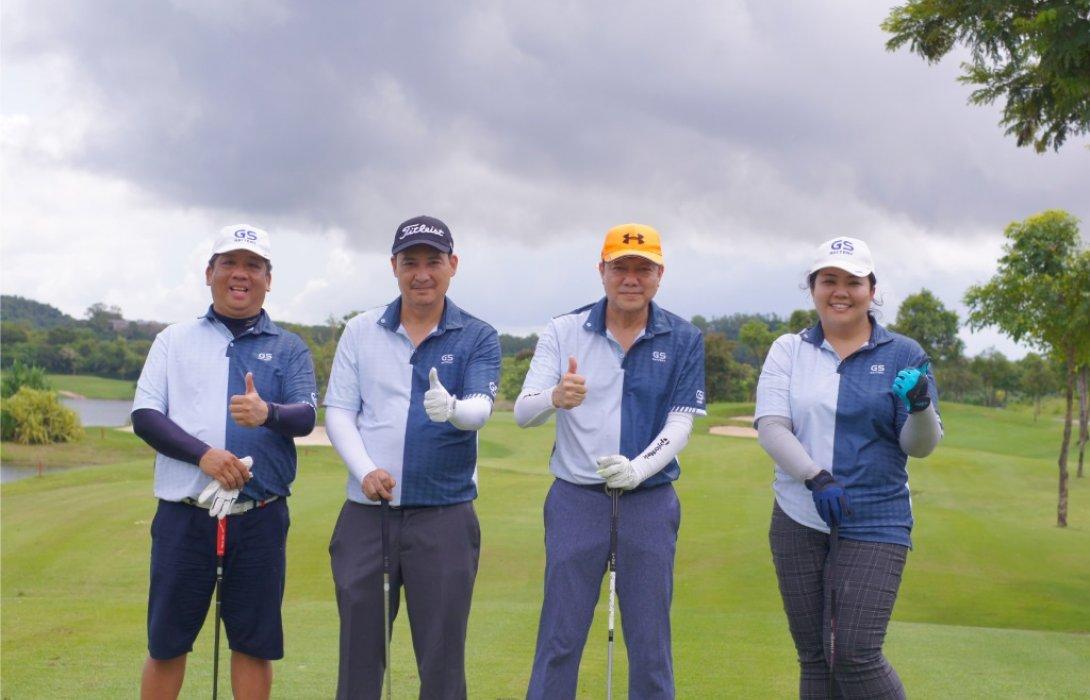 """ยีเอส แบตพลังอึด จัดก๊วนกระชับมิตรกับ""""กิจกรรมการแข่งขันกอล์ฟในงาน Golf Invitational 2020"""""""