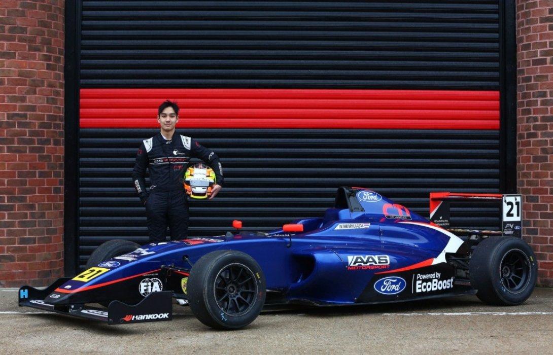 นักแข่งดาวรุ่งสายเลือดไทย เติ้น ทัศนพล อินทรภูวศักดิ์ ผงาดขึ้นโพเดี้ยม Formula 4