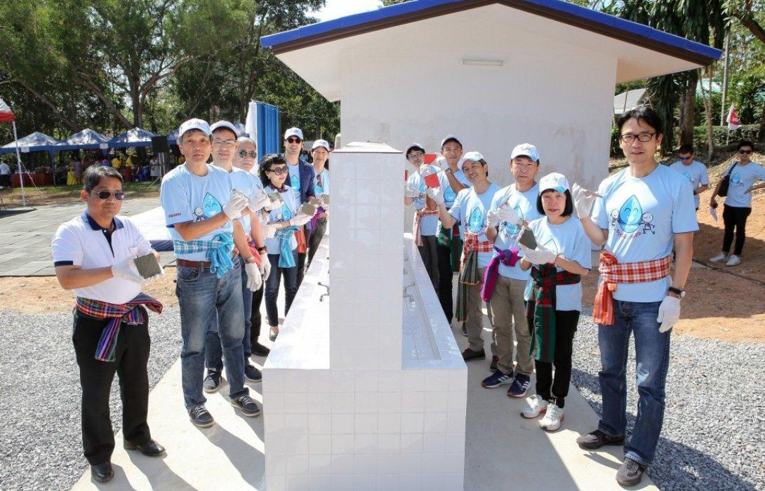 """ส่งท้ายปี2562 อีซูซุส่งมอบโครงการ""""อีซูซุให้น้ำ...เพื่อชีวิต""""ให้โรงเรียนบ้านโสกกล้า จังหวัดหนองคาย"""