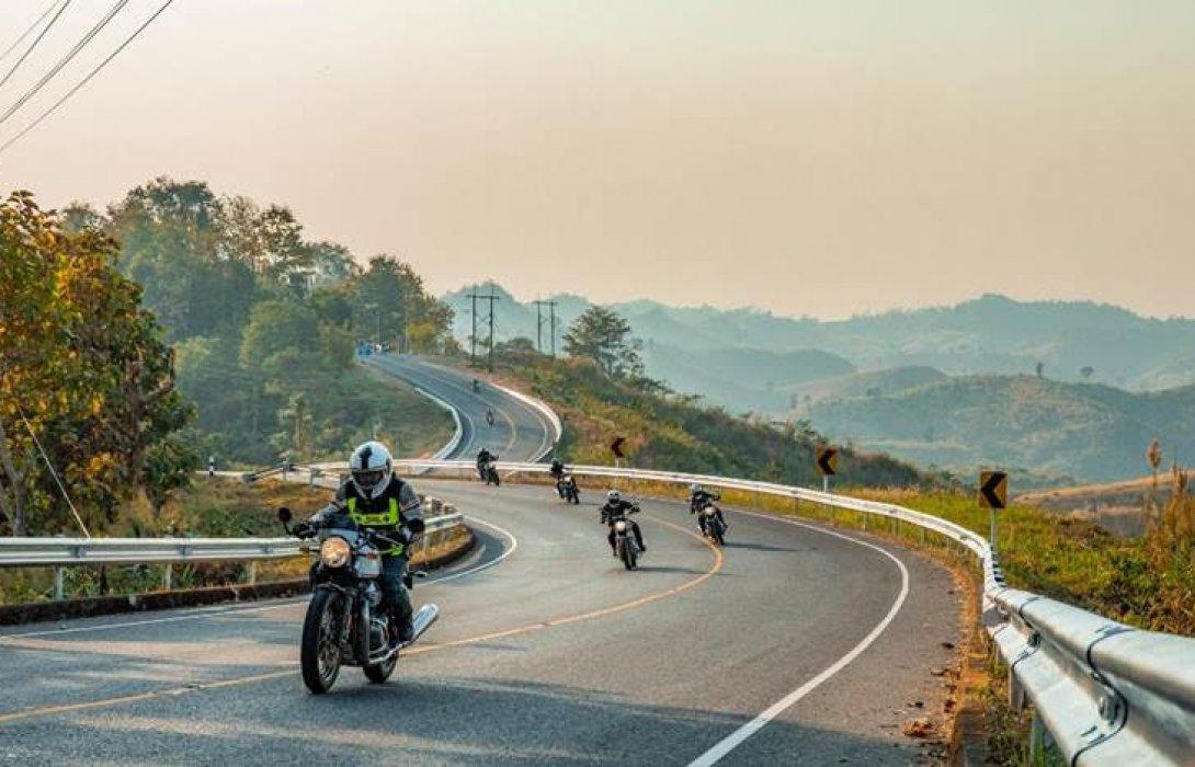 รอยัล เอนฟิลด์ พานักขี่มอเตอร์ไซค์สัมผัสการเส้นทางสู่จังหวัดเหนือสุดแดนไทย