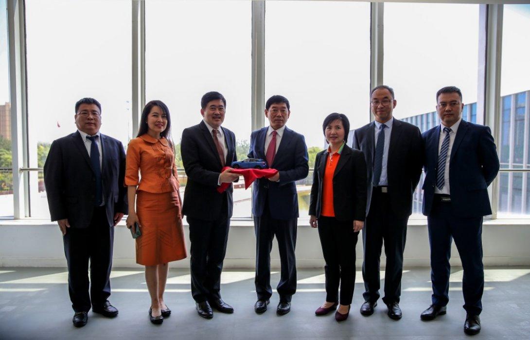 เอกอัครราชทูตไทย  และคณะ เข้าเยี่ยมชมโรงงานและศูนย์วิจัยและพัฒนา เกรท วอลล์ มอเตอร์ส