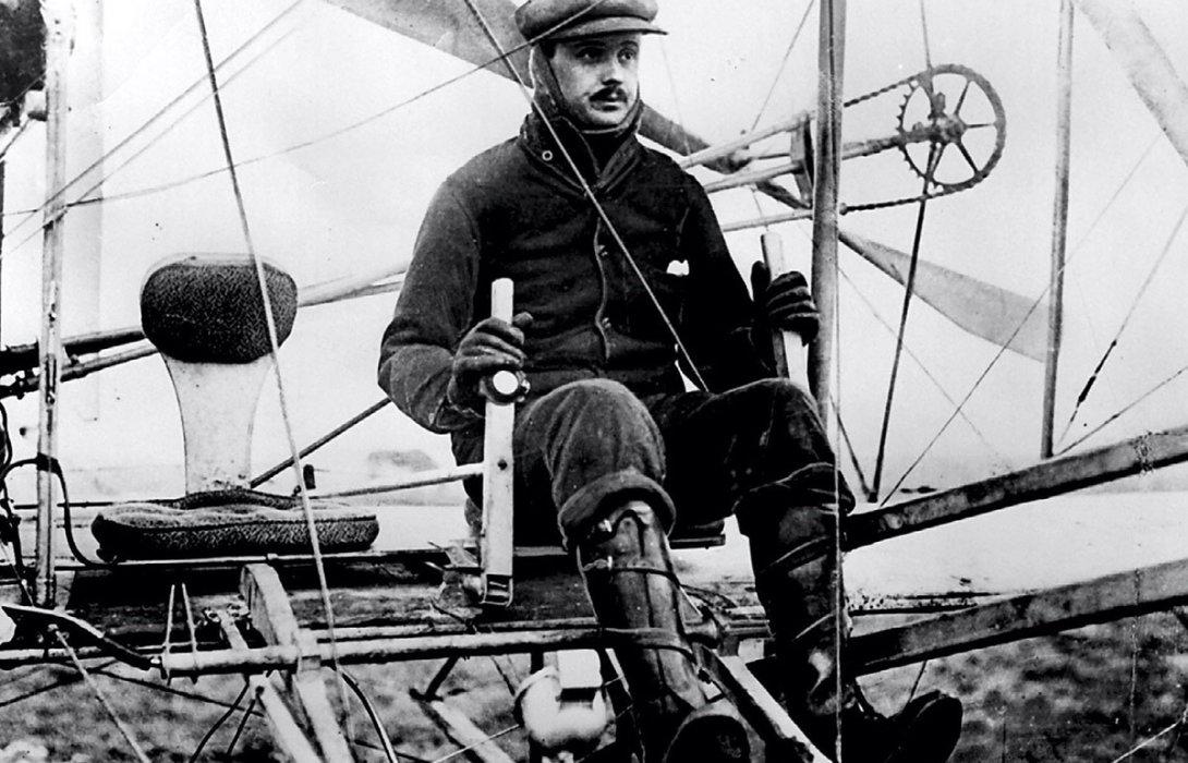 โรลส์-รอยซ์ ร่วมรำลึกเที่ยวบินประวัติศาสตร์ของผู้ให้กำเนิดแบรนด์
