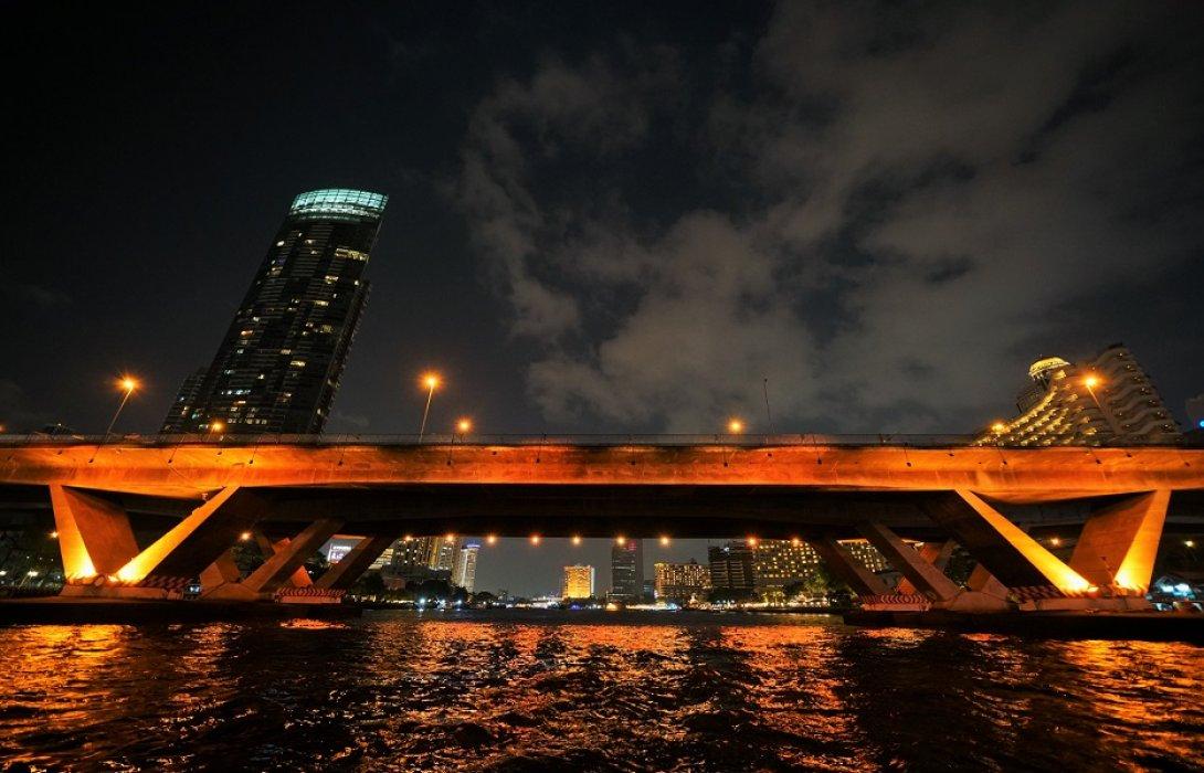 ทช.เปิดไฟประดับสะพานข้ามแม่น้ำเจ้าพระยา ร่วมเฉลิมพระเกียรติพระราชพิธีบรมราชาภิเษก สมเด็จพระเจ้าอยู่หัวมหาวชิราลงกรณ บดินทรเทพยวรางกูร