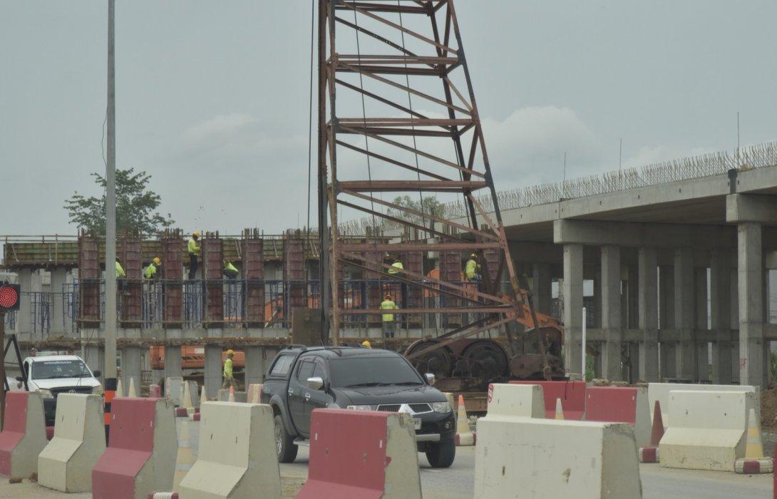 กรมทางหลวง ก่อสร้างสะพานข้ามแยกนิคมอุตสาหกรรมบ่อวิน/อีสเทิร์นซีบอร์ด/อมตะซิตี้