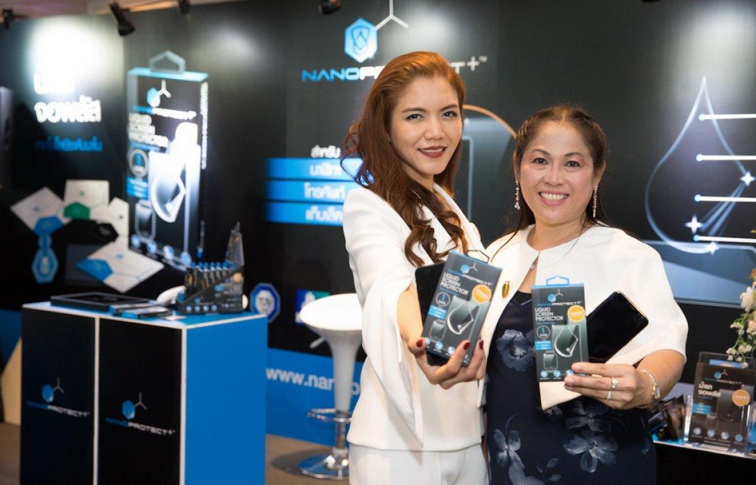 """เน็กซ์เทคโนโลยีฯ  ส่ง  ผลิตภัณฑ์น้ำยาจอพลัส """"นาโน"""" ลุยตลาด"""